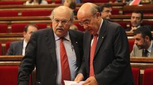 Andreu Mas-Colell i Boi Ruiz al Parlament.